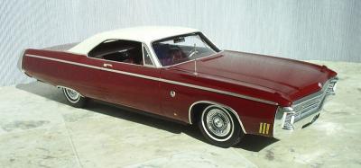 Прикрепленное изображение: Imperial_LeBaron_2_door_Hardtop_1969_kit__5_.JPG
