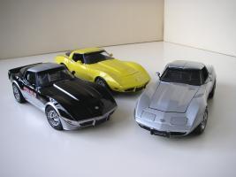 Прикрепленное изображение: Chevrolet_Corvette__s_1978__Autoart___UT___3_.JPG