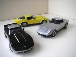 Прикрепленное изображение: Chevrolet_Corvette__s_1978__Autoart___UT___4_.JPG