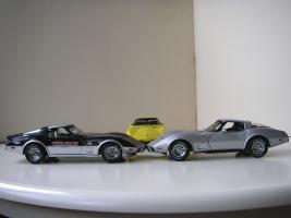 Прикрепленное изображение: Chevrolet_Corvette__s_1978__Autoart___UT___9_.JPG