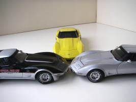 Прикрепленное изображение: Chevrolet_Corvette__s_1978__Autoart___UT___10_.JPG