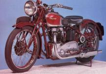 Прикрепленное изображение: Triumph_Speed_Twin_1939_jpg.jpg