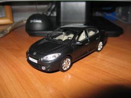 Прикрепленное изображение: Renault_Fluence.JPG