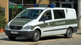 Прикрепленное изображение: 800px_German_military_police_car__28aka_29.jpg
