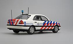 Прикрепленное изображение: C_class_W_202_Politie_NL_z.jpg