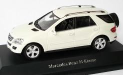 Прикрепленное изображение: 1zu43_Mercedes_Benz_M_Klasse_Facelift_2008_W164_calcitweiss_mit_Ersatzrad_MB_Minichamps_B66960002_17590_01.jpg