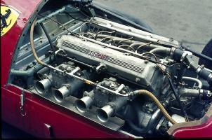 Прикрепленное изображение: Ferrari_4_Zyl___2480_ccm__Bj__1954.jpg