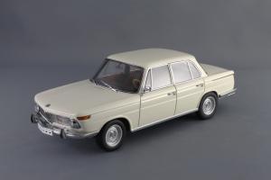 Прикрепленное изображение: BMW_1800_TISA_Autoart_70623_01.jpg