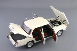 Прикрепленное изображение: BMW_1800_TISA_Autoart_70623_07.jpg