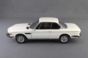 Прикрепленное изображение: BMW_3.0_CSI_Autoart_70671_02.jpg