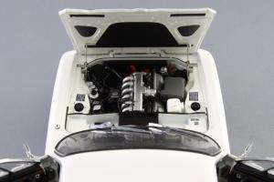 Прикрепленное изображение: BMW_3.0_CSI_Autoart_70671_10.jpg