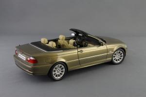 Прикрепленное изображение: BMW_3er_Cabrio_Individual_Kyosho_for_BMW_80_43_0_395_004_02.jpg