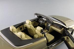 Прикрепленное изображение: BMW_3er_Cabrio_Individual_Kyosho_for_BMW_80_43_0_395_004_11.jpg