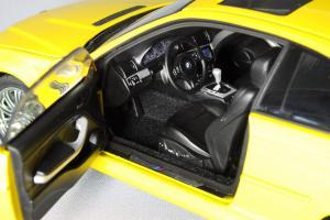 Прикрепленное изображение: BMW_M3_E46_Autoart_70542_09.jpg