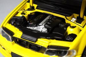 Прикрепленное изображение: BMW_M3_E46_Autoart_70542_10.jpg