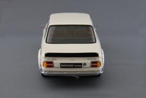 Прикрепленное изображение: BMW_2002_Turbo_Kyosho_08542W_03.jpg