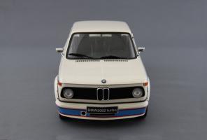 Прикрепленное изображение: BMW_2002_Turbo_Kyosho_08542W_05.jpg