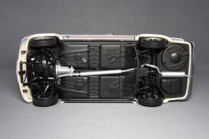 Прикрепленное изображение: BMW_2002_Turbo_Kyosho_08542W_12.jpg