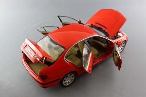 Прикрепленное изображение: BMW_328i_UT_Models_20511_07.jpg