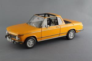Прикрепленное изображение: BMW_2002_Baur_Cabriolet_Autoart_for_BMW_80_43_0_300_713_01.jpg
