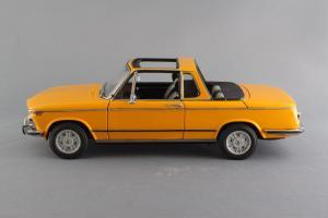 Прикрепленное изображение: BMW_2002_Baur_Cabriolet_Autoart_for_BMW_80_43_0_300_713_04.jpg