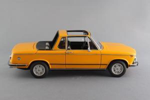 Прикрепленное изображение: BMW_2002_Baur_Cabriolet_Autoart_for_BMW_80_43_0_300_713_05.jpg