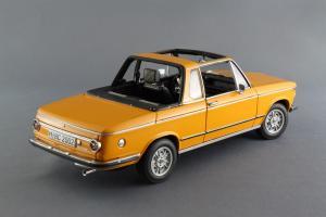 Прикрепленное изображение: BMW_2002_Baur_Cabriolet_Autoart_for_BMW_80_43_0_300_713_06.jpg