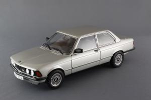 Прикрепленное изображение: BMW_323i_Autoart_75112_01.jpg