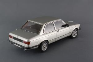 Прикрепленное изображение: BMW_323i_Autoart_75112_06.jpg