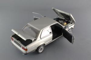 Прикрепленное изображение: BMW_323i_Autoart_75112_07.jpg