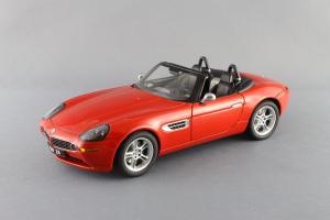 Прикрепленное изображение: BMW_Z8_Autoart_70513_01.jpg