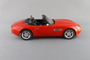 Прикрепленное изображение: BMW_Z8_Autoart_70513_04.jpg