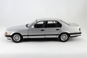 Прикрепленное изображение: BMW_730i_Minichamps_100023000_02.jpg