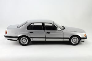 Прикрепленное изображение: BMW_730i_Minichamps_100023000_03.jpg