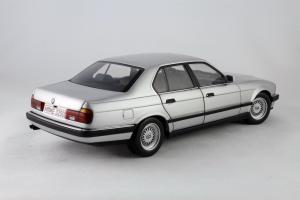 Прикрепленное изображение: BMW_730i_Minichamps_100023000_06.jpg