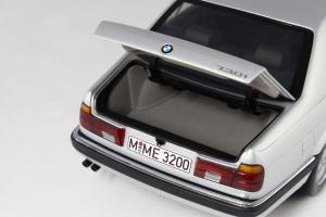 Прикрепленное изображение: BMW_730i_Minichamps_100023000_08.jpg