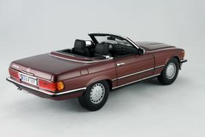 Прикрепленное изображение: Mercedes_Benz_350_SL_Norev_for_Mercedes_Benz_B6_604_0454_06.jpg