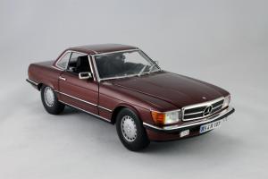 Прикрепленное изображение: Mercedes_Benz_350_SL_Norev_for_Mercedes_Benz_B6_604_0454_07.jpg
