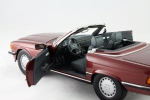 Прикрепленное изображение: Mercedes_Benz_350_SL_Norev_for_Mercedes_Benz_B6_604_0454_11.jpg