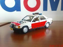 Прикрепленное изображение: Colobox_Mercedes_Benz_W201_Politie_05.jpg
