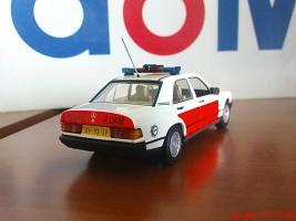 Прикрепленное изображение: Colobox_Mercedes_Benz_W201_Politie_06.jpg