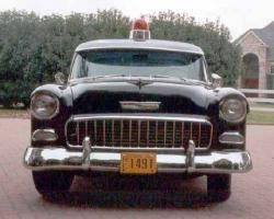Прикрепленное изображение: hotties_2001_police_car_1955_Chevrolet_Bel_Air_front.jpg