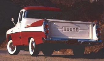 Прикрепленное изображение: 1957_1959_dodge_d100_sweptside_pickup_2.jpg