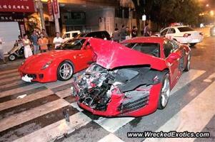 Прикрепленное изображение: Audi_R8_Ferrari_599_Crash.jpg