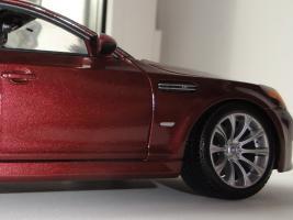 Прикрепленное изображение: BMWm5_post1_4.JPG