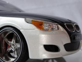 Прикрепленное изображение: BMWm5_post2_1.JPG