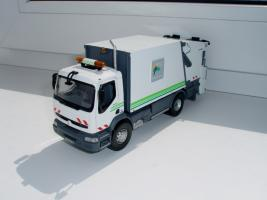 Прикрепленное изображение: Renault_Premium.JPG