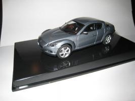 Прикрепленное изображение: Mazda_RX_8_2003_Autoart_1_43.JPG