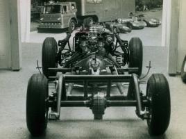 Прикрепленное изображение: chassis_rear_view_xl_001.jpg