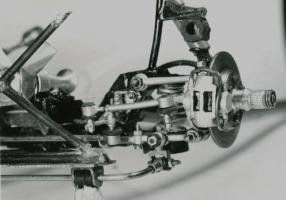 Прикрепленное изображение: n_s_f_suspension_from_front_xl_001.jpg